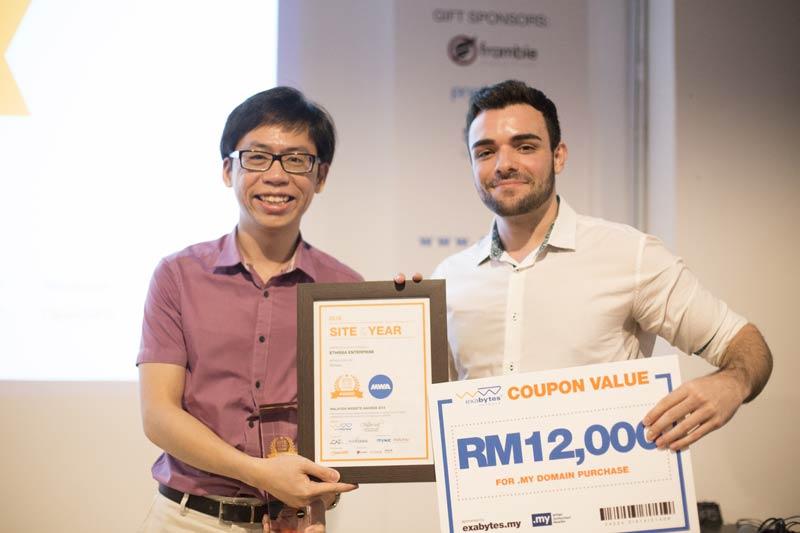 MWA-Award-01